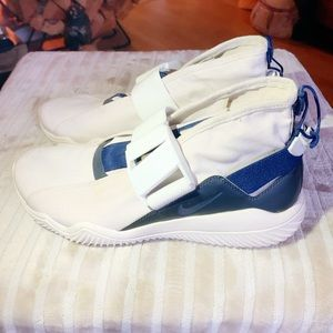 Nikes 💙